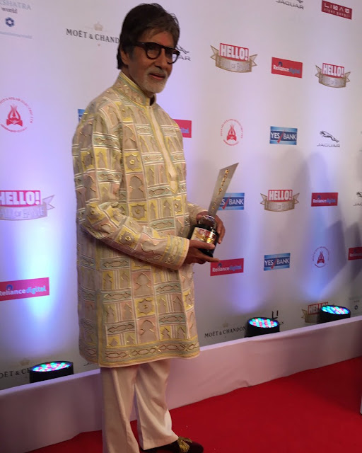 Bollywood Celebrities at Hello Hall of Fame Awards Photo Gallery