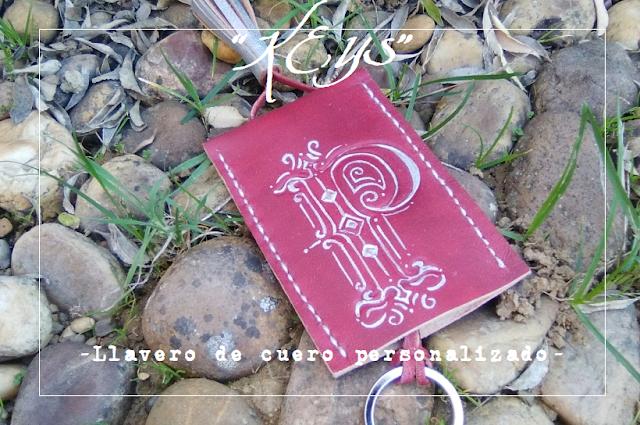 llaveros-cuero-personalizados-grabados-iniciales-monogramas-simbolos-amuletos-hecho-espana.jpg