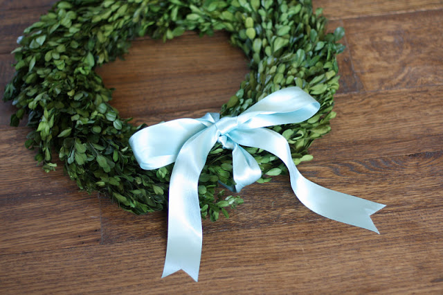 preserved wreath and other handmade holiday gift ideas via www.julieblanner.com