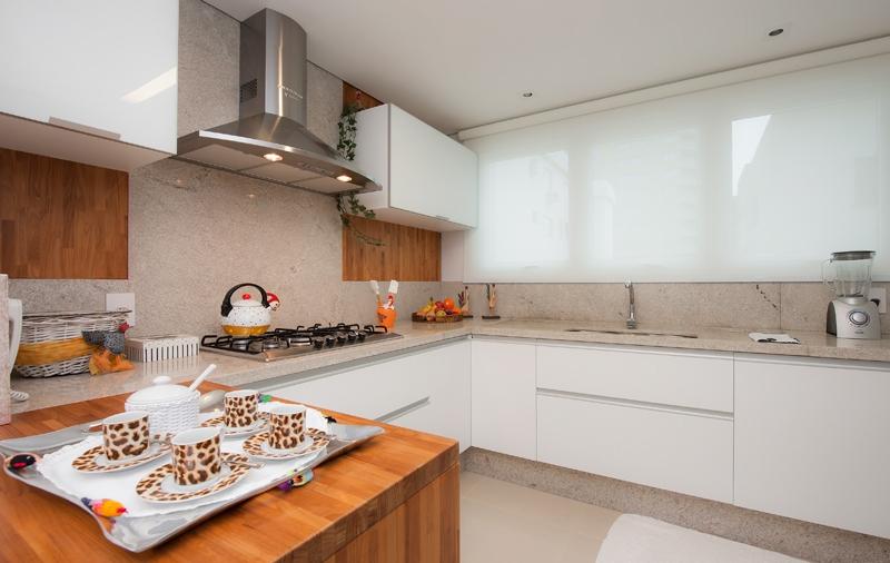 Cozinhas com bancadas de granito branco!  DecorSalteado # Bancada De Cozinha Com Duas Cubas