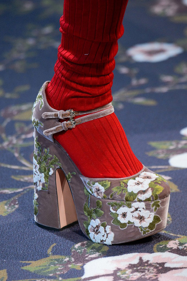 Paris Fashion Week The Amazing Details AW17 by Rochas {Cool Chic Style Fashion}
