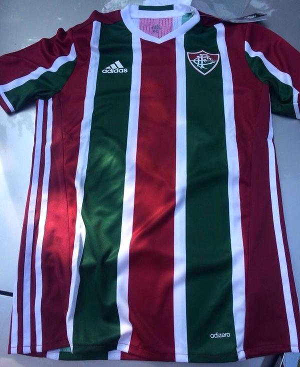 Fluminense troca camisas da Adidas por doação e arrecada R  40 mil ao CT 51e8d6a57fe3a