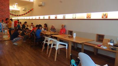 cafes pet friendly singapore