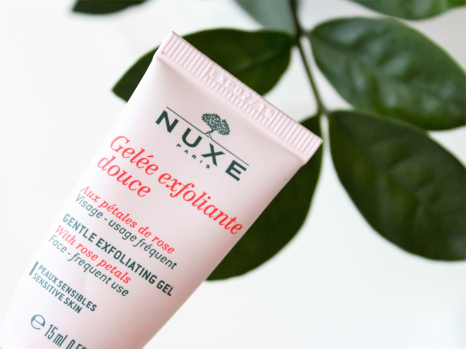 nuxe exfoliacni gel