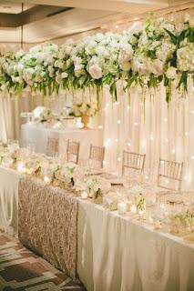 Jak usadzić gości przy weselnym stole? Podpowiadamy!
