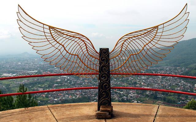 Keindahan Panorama Wisata Paralayang Batu Malang