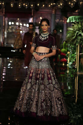 Top-indian-lehenga-blouse-designs-2017-by-manish-malhotra-5