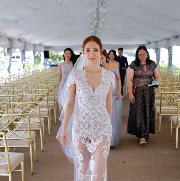 Wedding Gown Hong Kong: Stylish Bride Grace Wong 王君馨