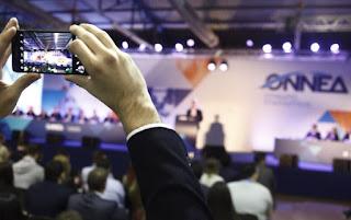 Selfies και νεανικά χαμόγελα στο συνέδριο της ΟΝΝΕΔ στην Παιανία [photos]