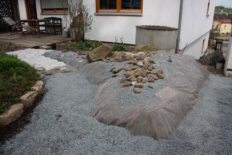 wildes gartengl ck steingarten anlegen. Black Bedroom Furniture Sets. Home Design Ideas