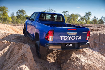 New Toyota Hilux 2017 off road truck