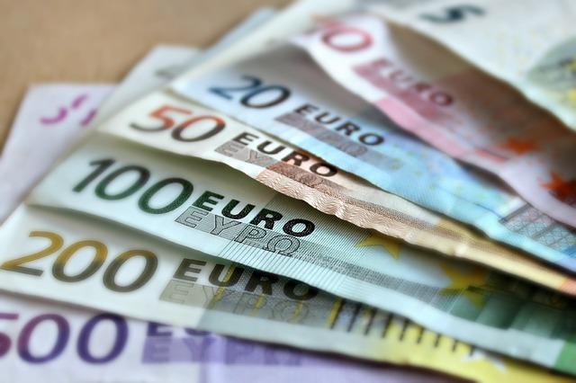 Kuusi tapaa ansaita rahaa nopeasti - ja helposti