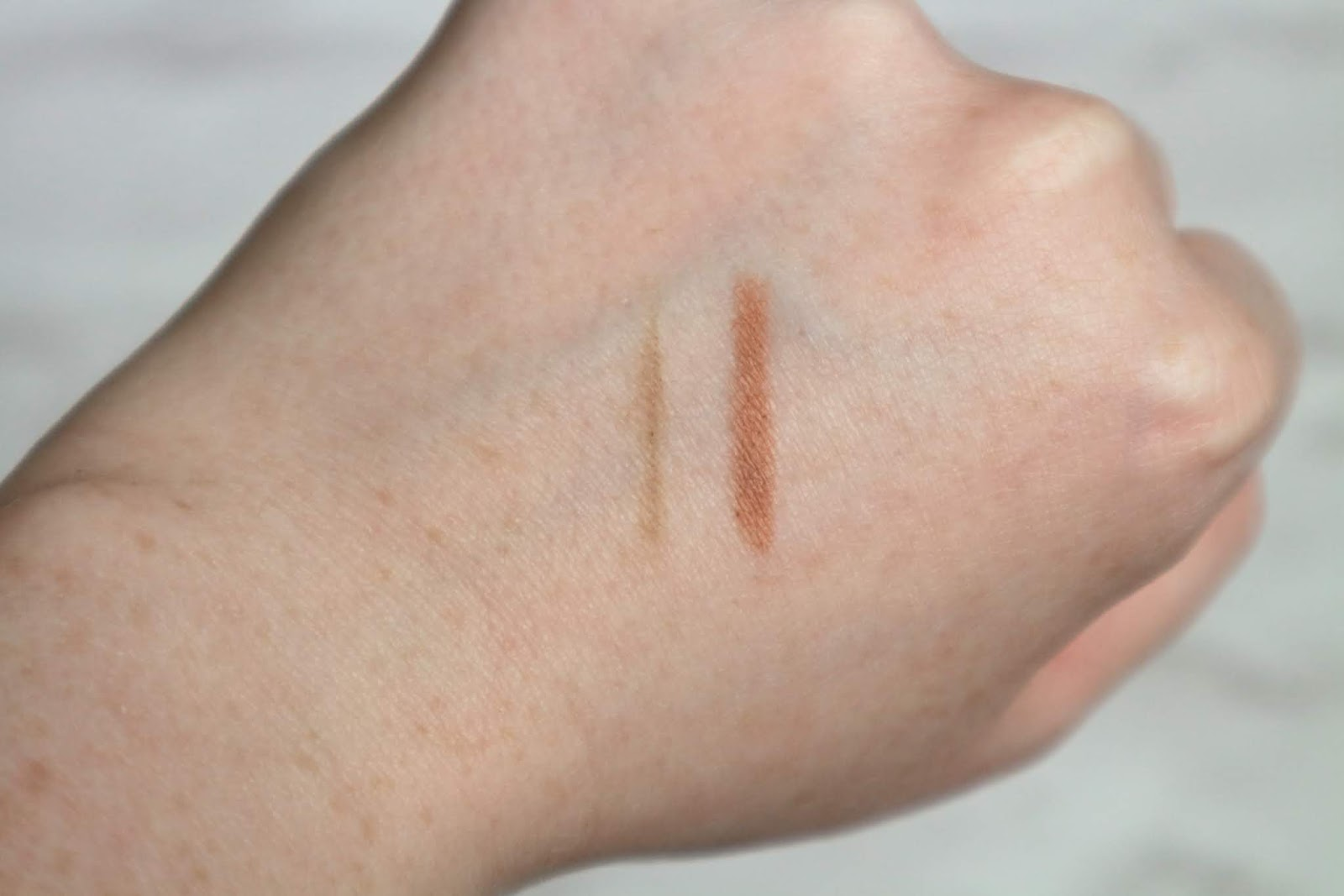 Bobbi Brown Shadow Stick Swatch