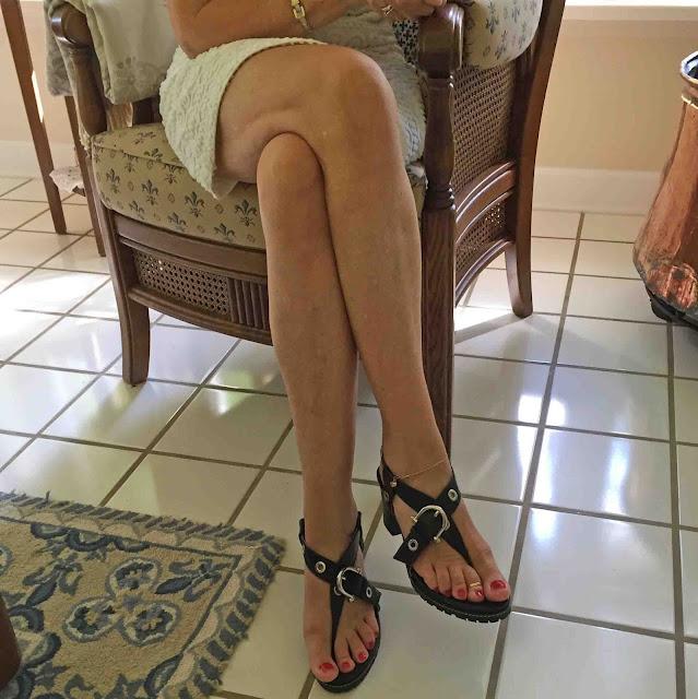 21b8672ce37d Wie hoch sind die höchsten High Heels askingbox. Schuh Umfrage High Heels  Index Wer trägt ...