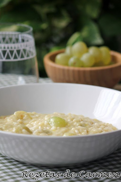 Risotto de queso y uvas
