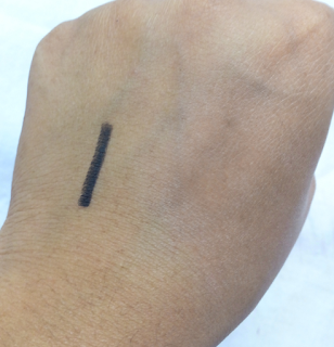 REVIEW Lakme Eyeconic Kajal in Black with swatches