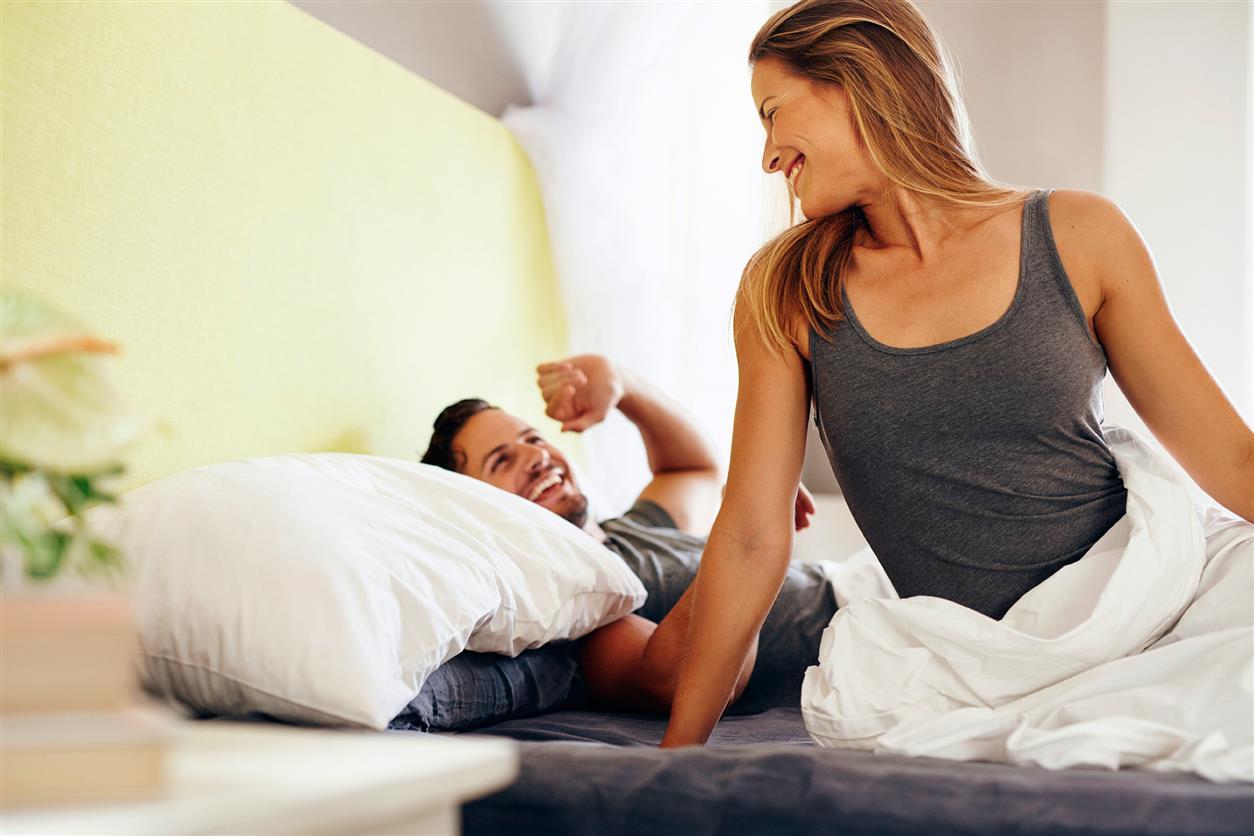 أشياء لابد أن تفعلها مع زوجتك عندما تستيقظ من النوم !