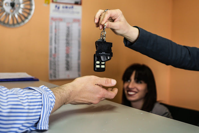 Pensa solo a girare la chiave nel quadro della tua auto sostitutiva
