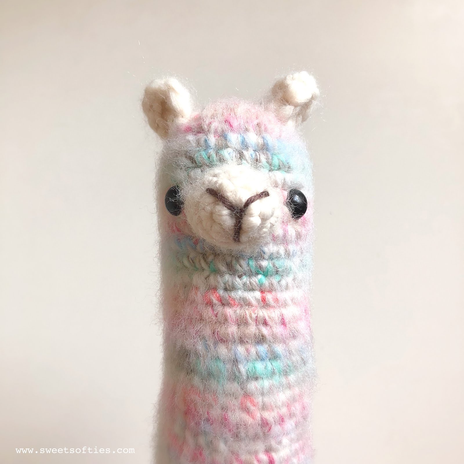 Red Heart Llama-No-Drama | Yarnspirations | 1600x1600