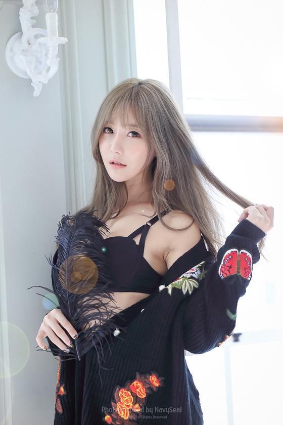 Racing model Choi Seul Ki studio photoshoot - All