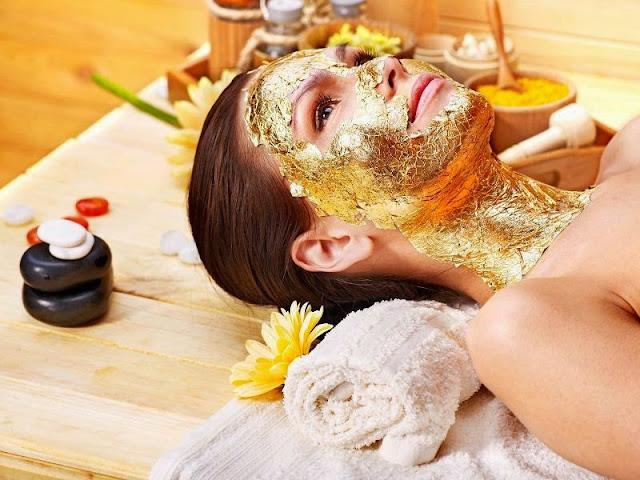 Foto Facial Emas (Gold) dan Berlian Untuk Kecantikan Kulit dan Wajah