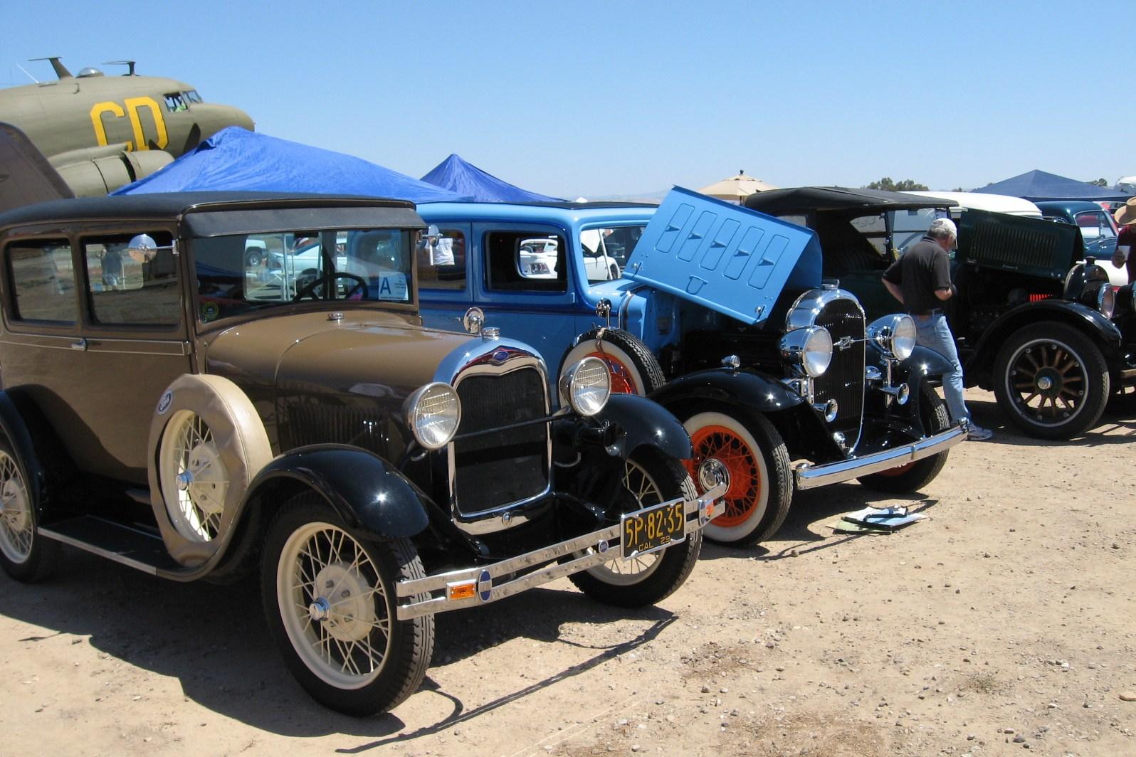 Estrella Warbird Museum Car Show