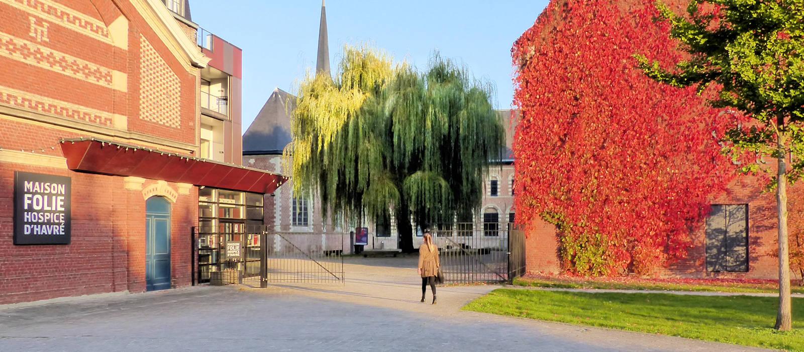 Photo Hospice d'Havré, Tourcoing - L'entrée et la cour