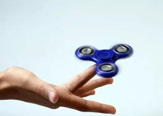 Fidget Spinner Menghilangkan Gelisah