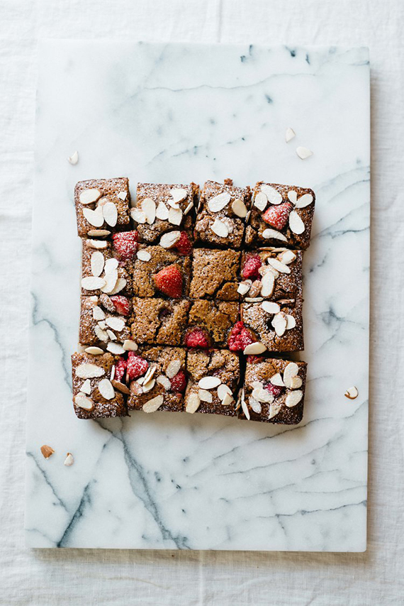 Red berry and almond blondies recipe by Dolly and Oatmeal