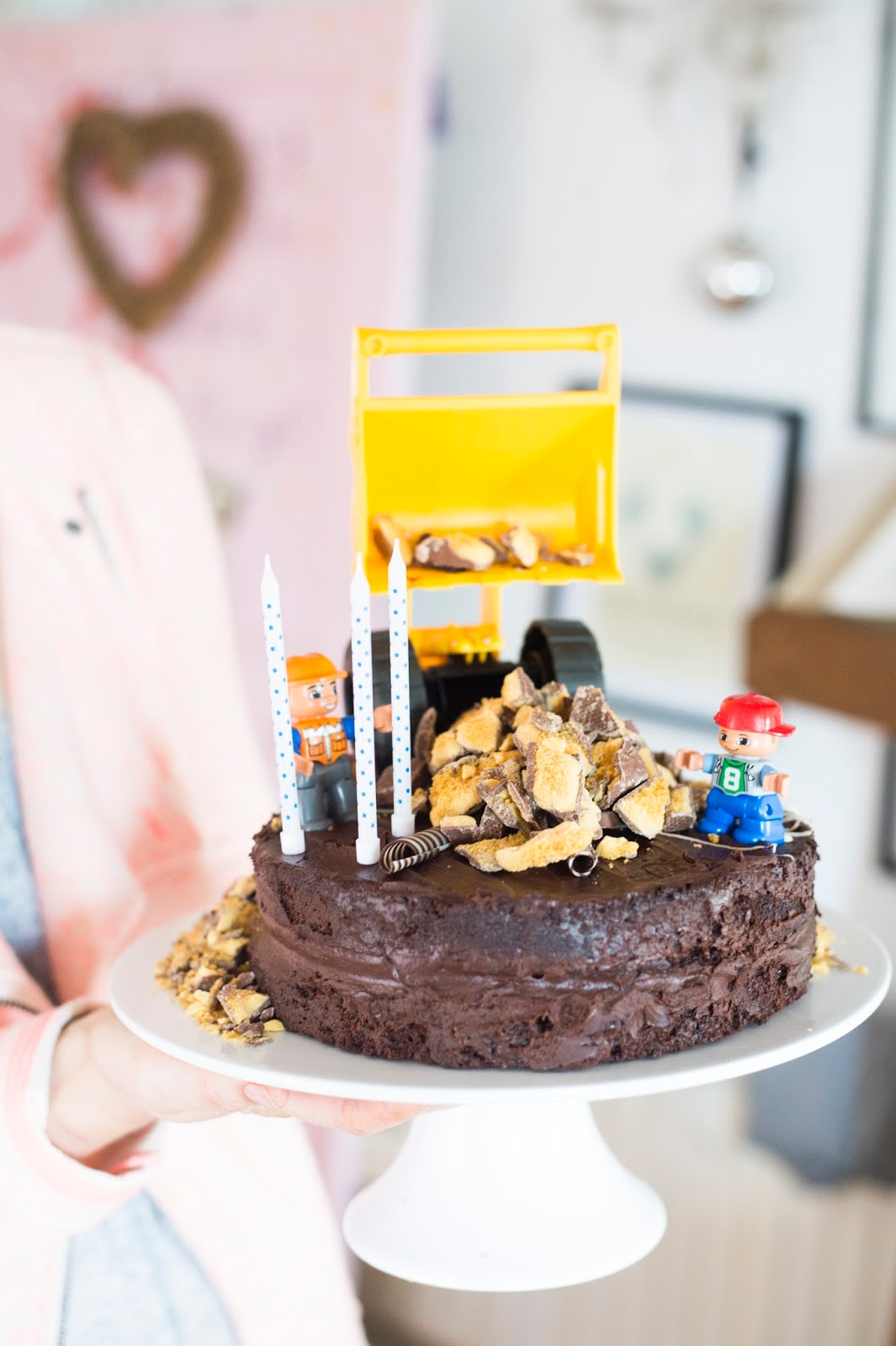 Noah S Digger Birthday Cake Bunty