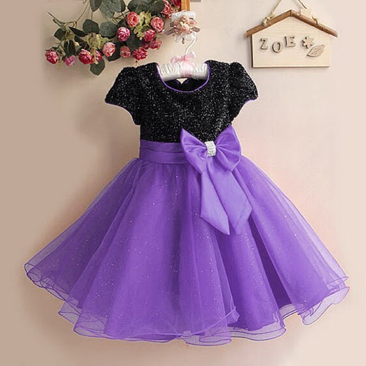 Determining The Style With Purple Color Party Dress