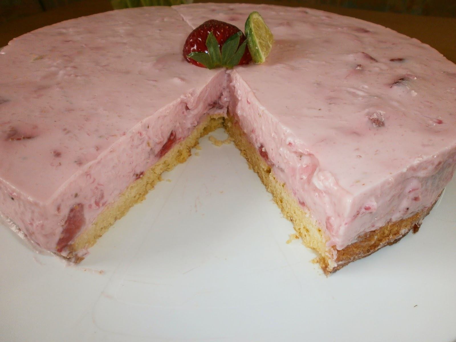 Melly S Backstube Limetten Erdbeer Quark Torte Low Carb
