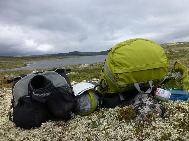 1133c29a Tiurfot: Med telt og fiskestang i Geitvassdalen, Hardangervidda ...