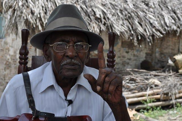 A LOS 109 AÑOS DE EDAD. Fallece centenario músico cabraleño Belisario Féliz (Belí).