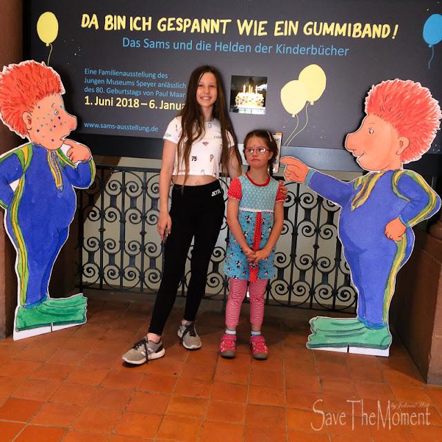 Louisa und Jolina beim Sams im Museum Speyer