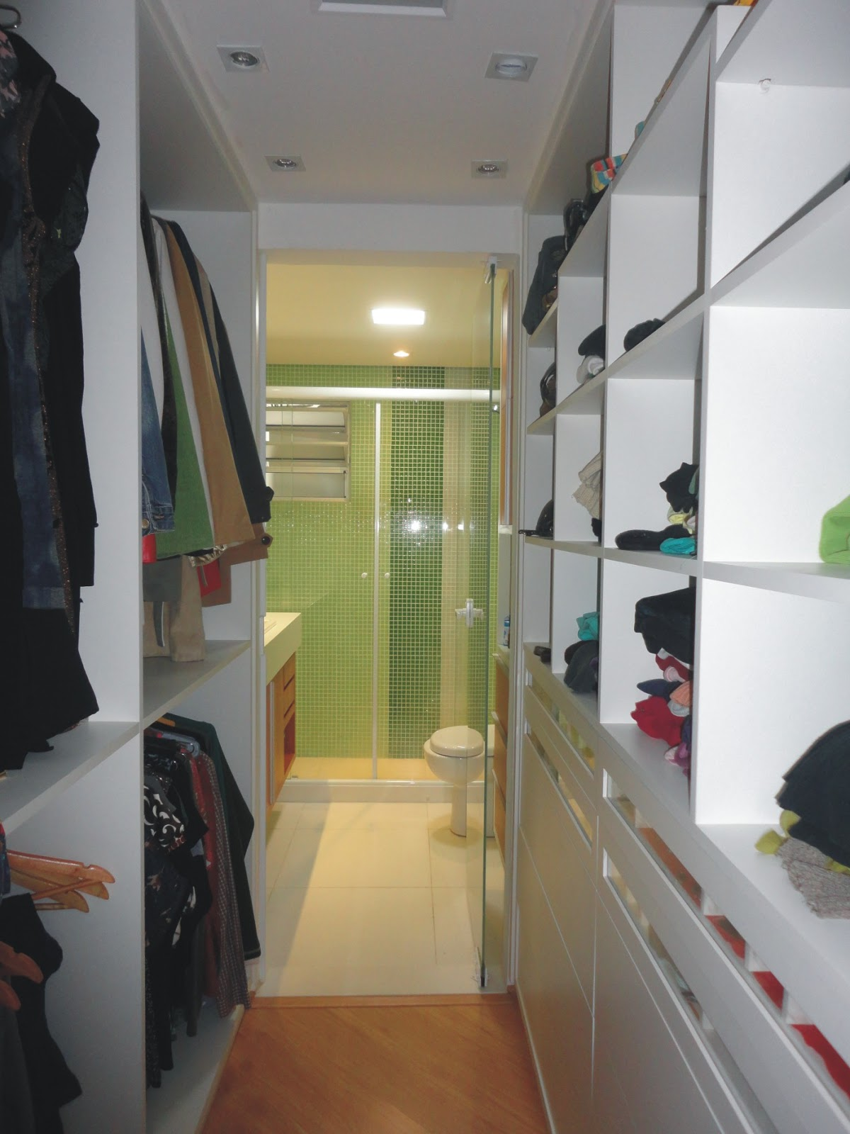 EM SP (VILA MARIANA) BANHEIROS QUARTO COM CLOSET E DESPENSA #90783B 1200x1600 Banheiro Closet