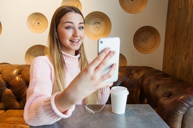 Video Call? Coba Aplikasi Video Call Terbaik Android Ini ...