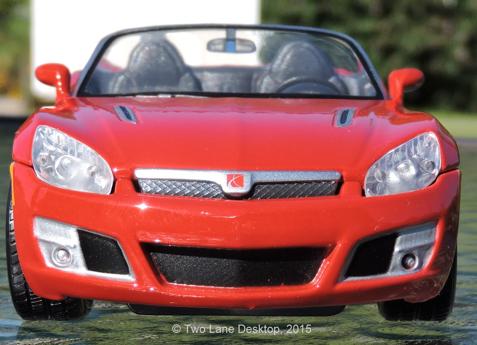 Two Lane Desktop Maisto And Matchbox Pontiac Solstice Coupe And Convertible Maisto 1 24 Saturn Sky Redline