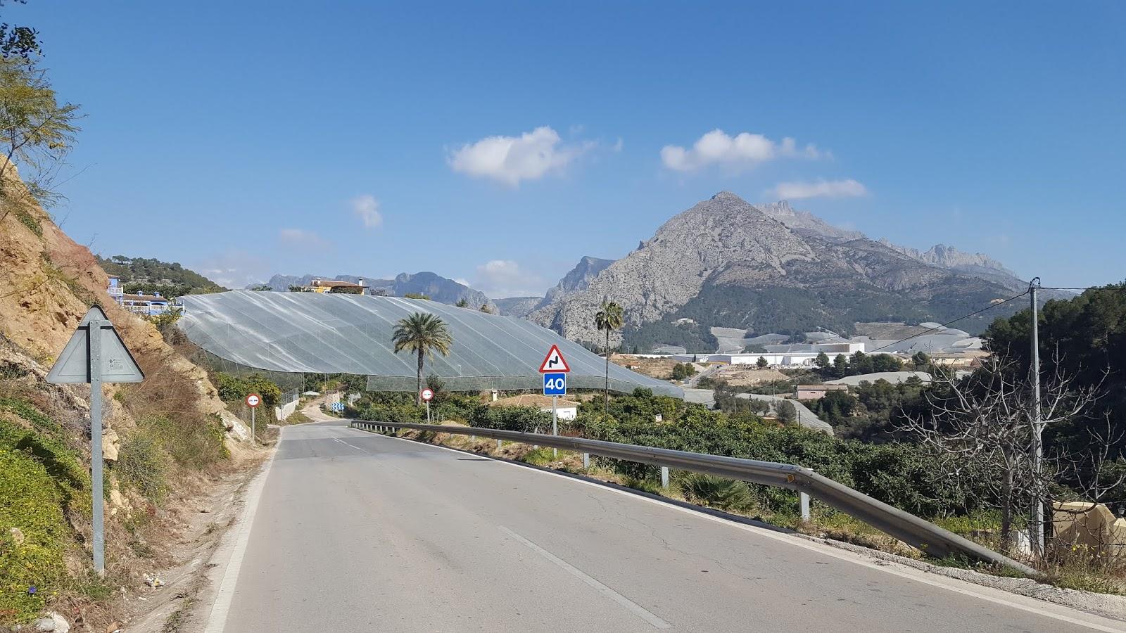 Greenhouses and Sierra de Bernia, Callosa d'en Sarrià