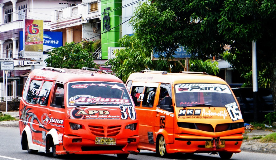 Memilih Transportasi Umum Yang Cocok Untuk Travelling