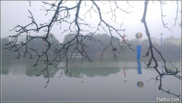 hồ Gươm sáng sớm mùa Đông