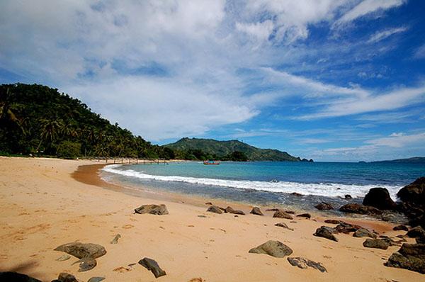 Panorama Indah di pantai Ngliyep malang