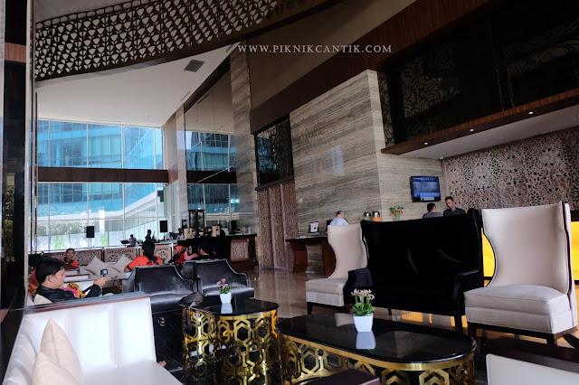lobby hotel best western premier panbil batam