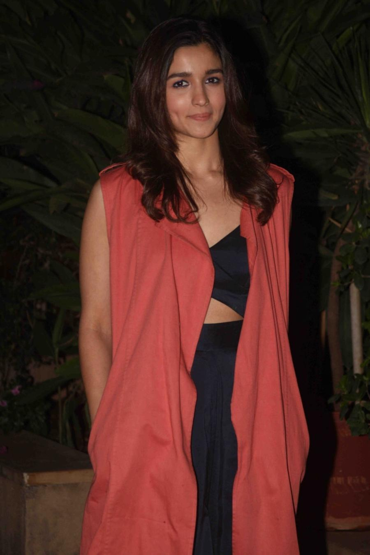 Alia Bhatt Smiling Face Photosoot In Orange Dress