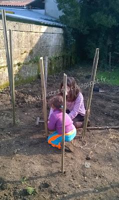 enfants nature jardin maternage potager apprendre graines