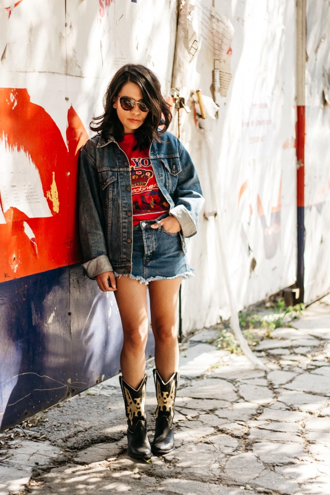 992f31324 Jacket: Kyama. Skirt: Mango. Boots: Rapsodia. T-Shirt: Void. Sunglasses:  Chanel.