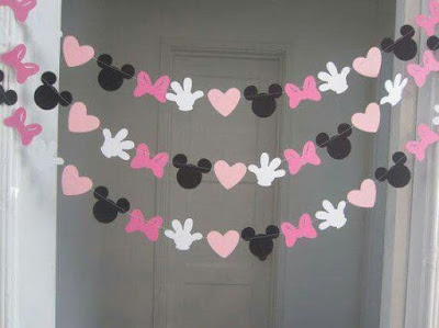 Ghirlande decorative cu capete, manute, inimi, fundite Minnie Mouse decupate din carton, combinatie negru, alb, roz