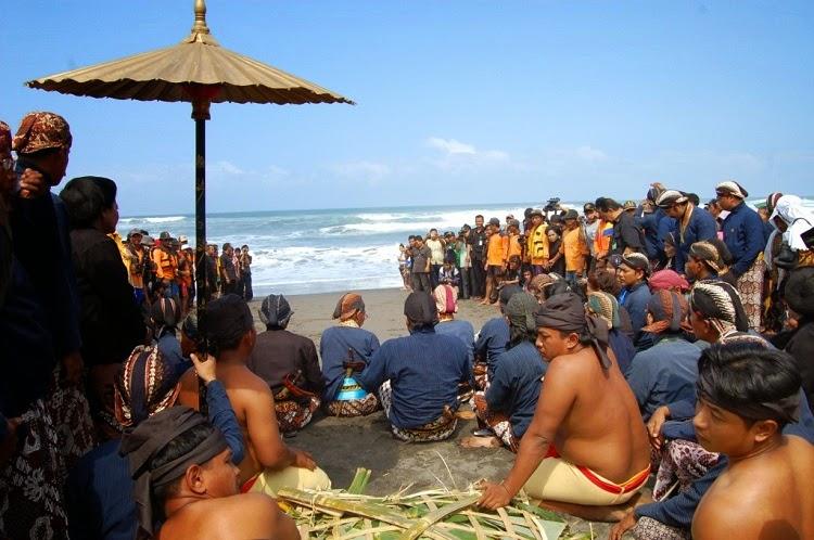 Atteindre Les étoiles Tradisi Indonesia Hasil Akulturasi Budaya