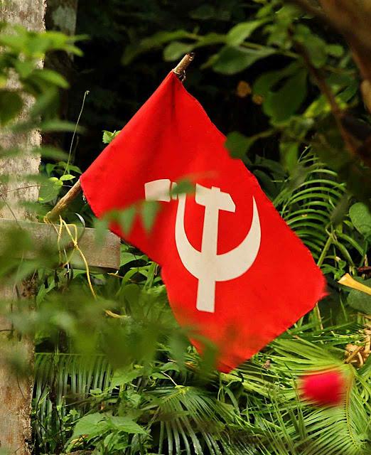 Bandeira do PC de Kerala, Índia, onde comunismo, ecologismo e anticristianismo se sentem uma coisa só