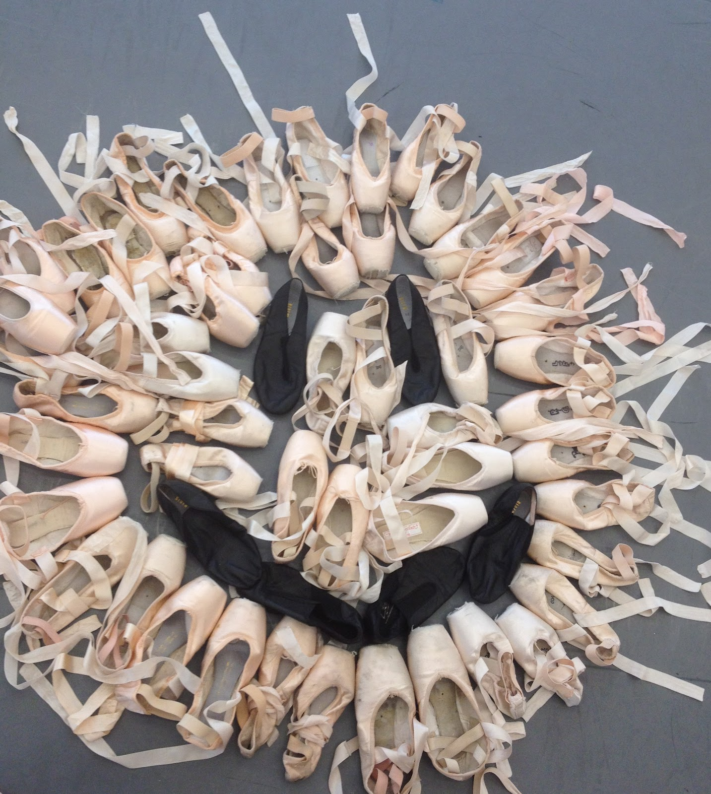 63050382b0c Mom s New Stage  A Jazz Dance Teacher in Ballet Country